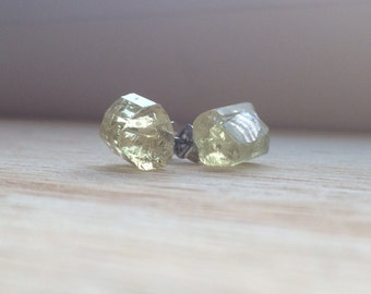 MADE TO ORDER : Large crystal stud earrings