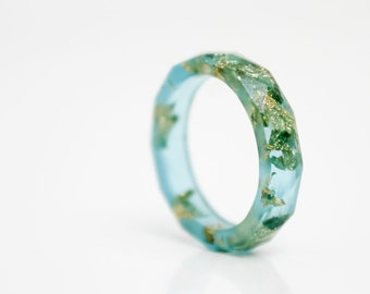 vivid aqua blue and gold size 7 thin multifaceted eco resin ring