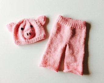 Little Piggy knit baby hat and pants set, piggy baby photo prop set, piggy costume, custom sizes