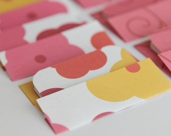 NEW - Mini Cards n Envelopes - Set of 8 - Pink, Yellow, Orange, and Red Flowers with Red and Pink Swirl Designs