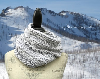 Hand Knit Chunky Cowl in White and Grey - Marble
