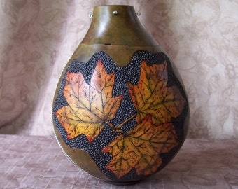 Large gourd box, wood burn maple leaves, inlaid chains. 1891.