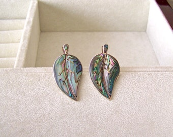 Vintage Earrings Sterling Mother of Pearl Inlay Leaf Design Hecho en Mexico Vintage 1970s