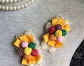Vintage Applique - 2 pcs colorful Flower and Yellow Ribbon Applique Trim (A337)