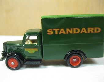 Chevron Collectible Commemorative Standard Lubricants Delivery Truck Die Cast Model in Original Box Day Gone Trademark by Lledo of England
