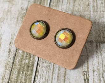 Gorgeous yellow bezel studs
