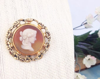 Vintage Glass Cameo Brooch
