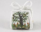 Tree of life Wedding favor box tulips floral wedding favour Gift box trinket keepsake treasure box purse gardeners gift white box embroidery