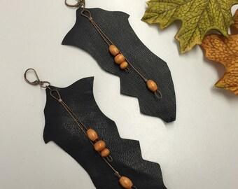 SJ Black Leather/Wooden Beads Earrings