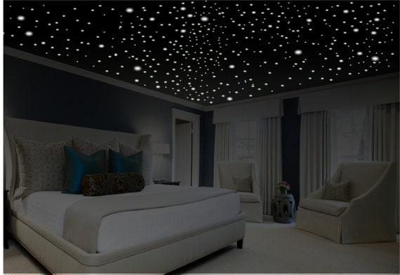 Romantic bedroom decor glow in the dark stars romantic - Stars for walls decorating ...