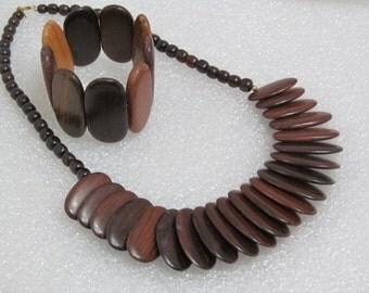 Oval Wood Beaded Necklace Bracelet Set