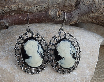 Victorian Toggle Cameo Earrings. Antique cameo Earrings. Vintage style earrings. Antique style earrings. Cameo necklace.Wedding Jewelry sets