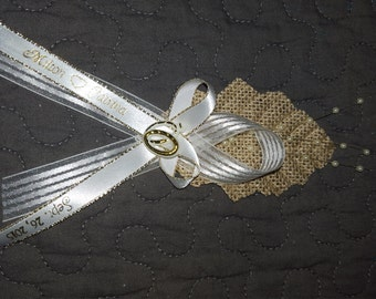 25 burlap  wedding  capias guest  pin ons