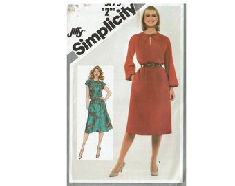 80s Jiffy Pullover Dress UNCUT Sewing Pattern Size 16 Bust 38 or Size 18-20 Bust 40-42 Simplicity 5195 Sleeveless Dress or long sleeves