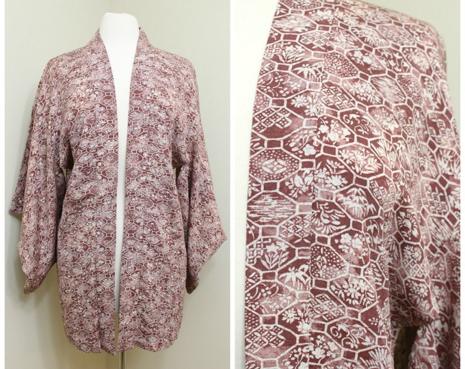 Japanese Haori Jacket. Vintage Silk Coat Worn Over Kimono. Purple Geometric and Floral (Ref: 29)