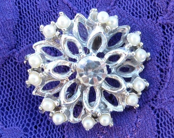 Vintage rhinestone faux pearl pin 1950s