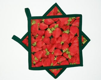 Pot Holders Quilted, Strawberry Decor, Primitive Decor, Country Decor, Kitchen Decor, Red Green, Set of 2