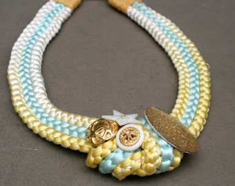 Statement necklace with buttons