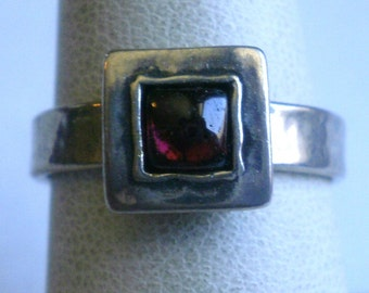 Vintage Sterling Silver Red Stone Ring-Size 7