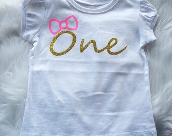 girls top/t-shirt.Girls clothing.gold glitter and neon pink vinyl top.Girls first Birthday top.Girls tees.Gold clothing.Kids fashion.one.