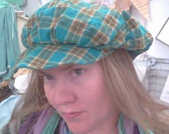 Frumpy hat with brim in brown and teal homespun