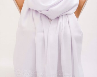 Bridesmaid shawl gift Pashmina scarf with victorian lace edge   ,bridesmaid  gift , bridal shawl , pashmina scarf in WHITE