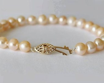 Natural peach champagne pearl bracelet, Hand knotted fresh water pearls, Gold Pearl Bracelet, Bridesmaid pearl bracelet