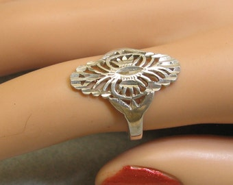 Sterling Silver Pierced Scrollwork Filigree Ring Size 6.75