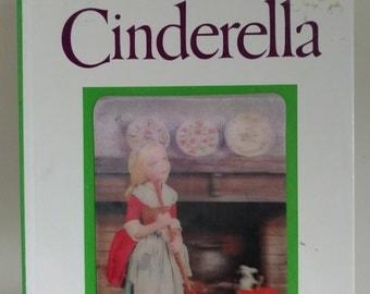 1970 Puppet StoryBook: Cinderella By Tadasu Izawa and Shigemi Hijikata