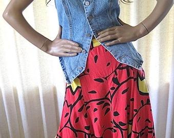 on sale Vintage 90s Skirt/Red Twirly Skirt/Vintage Red Skirt/Abstract Print Skirt/TOTOnKO Skirt/Small Vintage Swing Skirt/Bold Patterned Ski