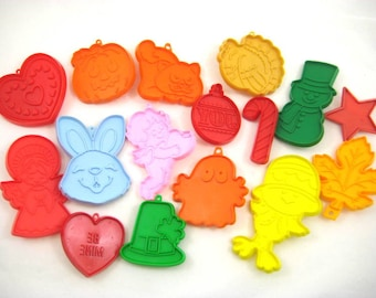 Vintage Hallmark Cookie Cutters - Lot of 16 Holiday Cookie Cutters, Easter, Christmas, Thanksgiving, Valentines, St Patricks Day, Halloween