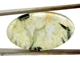 Prehnite Cabochon Stone (29mm x 17mm x 5mm) 22cts - Oval Cabochon - Gem for Ring