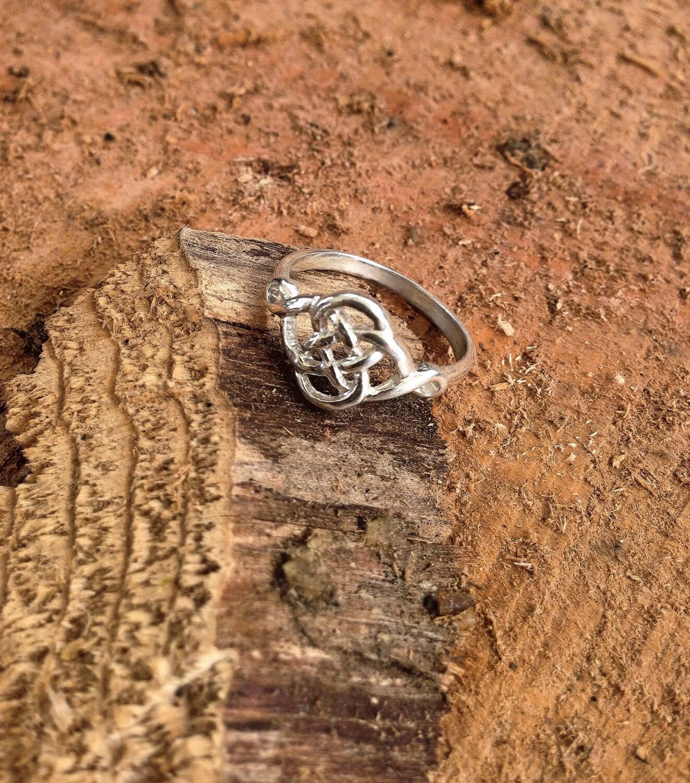 celtic love knot ring sterling silver celtic jewelry. Black Bedroom Furniture Sets. Home Design Ideas
