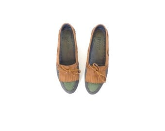 Cole Haan Leather Loafers. Tan - Black - Green. 9.5. Vintage Women's Nubuck Leather Boat Shoes. Kiltie Fringe