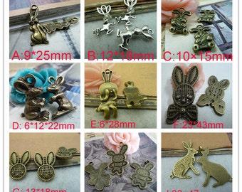 30pcs - 14×20mm  Ancient Silver Alice W. RABBIT rabbit  Charm Pendant Shy Rabbit eat carrots Rabbits