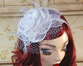 White Fascinator Hat - Kentucky Derby Hat - Tea Party Fascinator - British Wedding Bridal Hat - Kate Middleton hat
