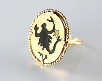 Scorpio Ring, Zodiac Sign jewelry, 10k Solid gold Pinky Ring size 4, signed Tiara vintage jewelry