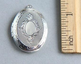 Silver Oval Locket Pendant, Silver Brass Photo Locket, Locket Pendant, Oval Locket Pendant, Locket Pendant, 29mm ( 1 piece )