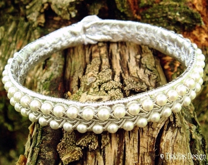 Silver SKINFAXE Tin Thread Embroidery Leather Sami Bracelet with White Swarovski Pearls in Pewter Braid