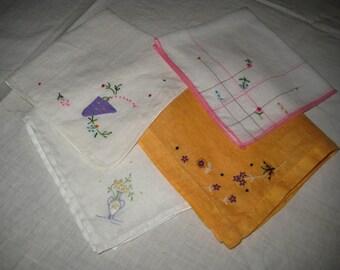 4 hankies, hand embroiderd