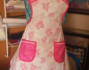 Custom made apron from a vintage sheet