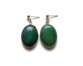 Green Stone Oval Earrings