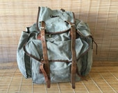 Vintage Very Distressed Washed Out Green Canvas Large Size Bag Backpack Rucksack