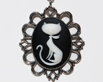 Mod Kitty Cameo - Made by Miss Atomic - FREE SHIPPING!