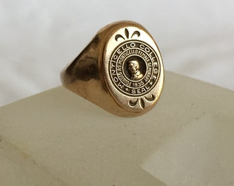 Vintage class ring Monticello College Seal feminism 1835 Monticello Female Seminary Herff Jones HJ 10k Lewis & Clark Community College