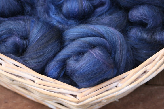 Midnight Skies - hand pulled roving - 100g
