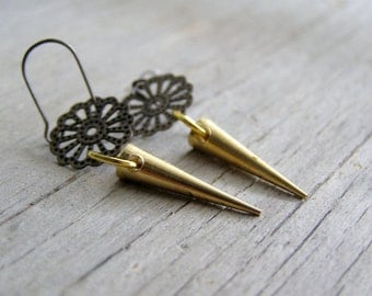 Brass Spike Earrings, Boho Spike Earrings, Boho Point Earrings, Short Spike Earrings, Brass Spikes Boho Dangle Earrings, Point Drop Earrings