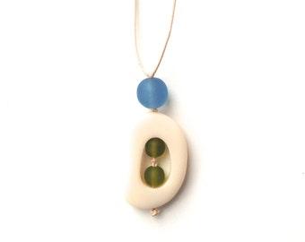 SALE - Baby Safe Mom Necklace - Resin Nursing Breastfeeding Necklace - Twiddle Buster - Cream, Olive green, Grey Blue - Pantone Serenity