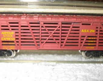 N-Scale Train Cattle Car S790D New