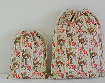 "Set of 2 Fabric Drawstring Bags (7x9"", 11x14"") / Woodland Spring Cream"